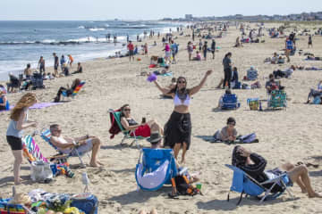 'It's a bad idea for people to go to the beach on Memorial Day,' N.J. mayor says