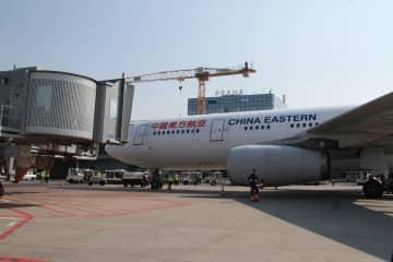 中国から「空の架け橋」50回、チェコへの医療物資輸送が終了