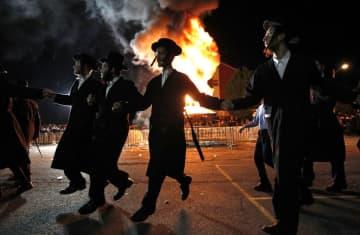 Orthodox Jews of the Satmar Hasidim celebrate Lag BaOmer in the village of Kiryas Joel (photo credit: MIKE SEGAR / REUTERS)