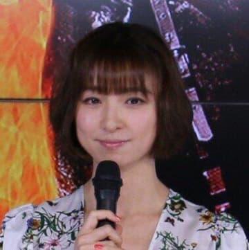 篠田麻里子「いつ結婚するの?」 小嶋陽菜への「上からマリコ」な質問にファン騒然