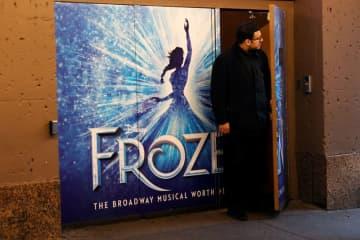 米ブロードウェーミュージカル「アナ雪」、公演再開を断念