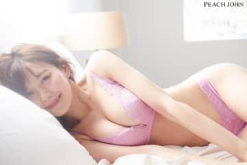 """元NMB48の渡辺美優紀さんこと""""みるきー""""!人気ブラを着た美ボディを披露。"""