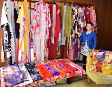 成人式の晴れ着を格安レンタル コロナで閉店のスタジオ ひとり親の女性らに