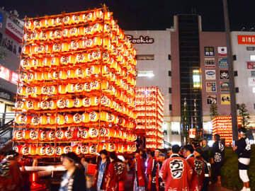 久喜市の夏を山車で彩る「提燈祭り」=2019年7月