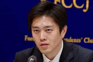 うがい薬発言で注目の吉村洋文大阪府知事 コロナ対応を評価する人は6割