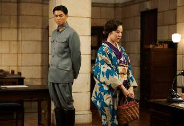 「スパイの妻」の東出昌大と蒼井優(NHK番組ホームページより)