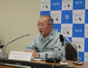 新たな生活様式で感染予防に努めるよう市民に呼び掛ける松浦市長(21日)