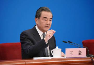 中日韓は時代の新たな章を記した 王毅氏、全人代で会見