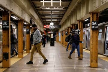 アングル:電車ガラガラ、道路は渋滞 米国の通勤風景にも変化