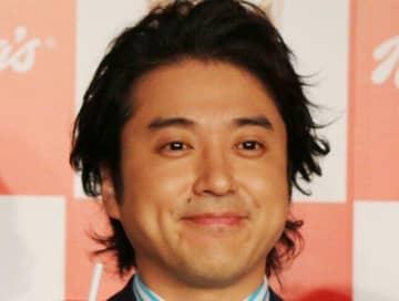 ムロツヨシは「石田ゆり子にデレデレおじさん」 コラボ配信でトレンド入り