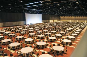 立食で5千人収容ホールに礼拝堂も 「パシフィコ横浜ノース」営業開始