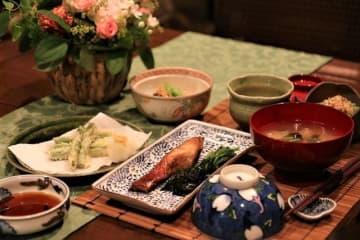 和風献立 金目鯛の煮つけ・冬瓜のえびそぼろ汁・かぼちゃのそぼろあんかけ・アスパラの天ぷら・きゅうりとカニの酢の物・冷ややっこ