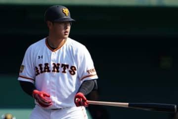「そのおかげでタイトルが取れた」本塁打&打点の2冠王、巨人・岡本和真が感謝した人は?