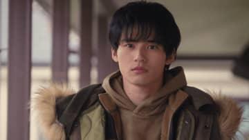 【動画】岡田健史 少年時代は「一目惚ればっかりでした」