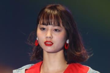 堀北真希さんの妹・NANAMI、美しすぎる横顔に反響 「お姉ちゃんに似てる」