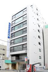 休校が決まったパルモア学院=神戸市中央区相生町4