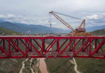中国ラオス鉄道、雲南省内の特大橋が接合完了