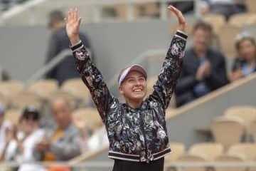 ティーンのロシア美少女テニス選手がビキニ姿を公開!「なんて美しいんだ」