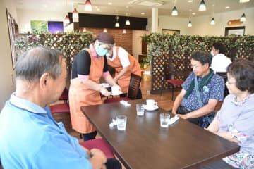 社会福祉施設にカフェ 憩いの場に 食パン人気、地元野菜も販売 /市原