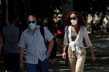 スペインのカタルーニャ州、公共でのマスク着用義務化 9日から