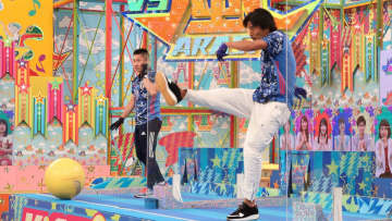嵐、三宅健とV6の名曲で体内時計ダンス!強敵・サッカー元日本代表らと白熱対決