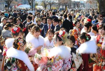 成人式は行います 「晴れ着姿でマスク」コロナ予防策、2カ所で複数回開催 京都市で1月
