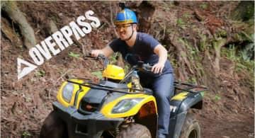PS4「オーバーパス」が発売!声優の白石稔さん出演のゲームプレイ&オフロード体験動画が公開
