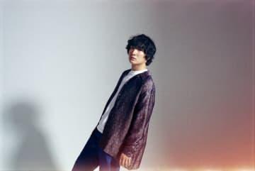 石崎ひゅーい、新たな弾き語り映像をYouTubeに公開&本日21時Ginza Sony Parkより弾き語りライブを生配信!