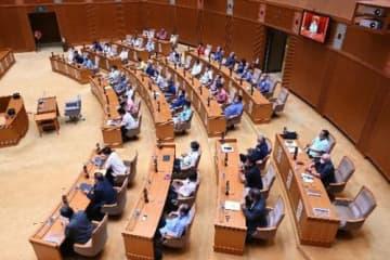 米軍基地内のコロナ感染情報開示を要求 沖縄県議会、全会一致で決議 県も対策強化求める 画像