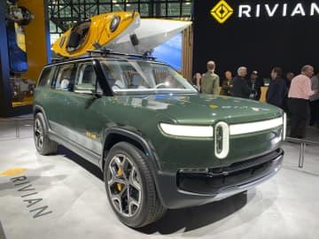 米リビアン2700億円調達 アマゾン出資EVメーカー 画像