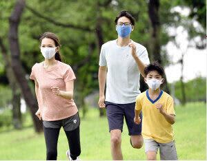 暑さ・飛沫を防ぎながらスポーツを楽しみたい人に 高通気性の「ランナーマスク」