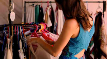 ファーストサマーウイカ、ヤバすぎる私服を大公開…ファンも「このファッションセンスはすごい」