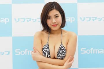 鋼のGカップ・内田瑞穂、乳遊びする動画に反響 「全然鋼じゃない」「プリンみたい」