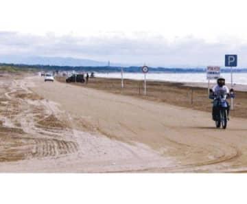千里浜に慈善ライダー 8月1日から「一人一砂運動」
