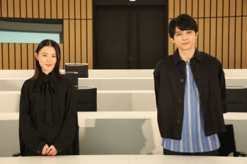 吉沢亮、杉咲花の「気持ち悪」にダメージ! おとなりカメラでオンライン試写
