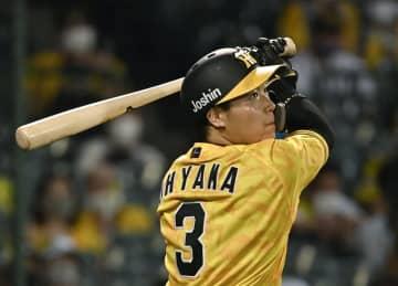 6回阪神1死二、三塁、大山が右前に2点打を放つ=甲子園