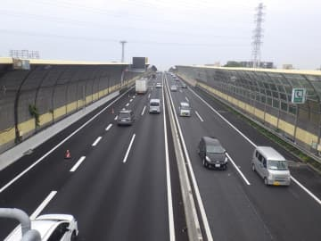 京葉道、渋滞緩和へ一部区間3車線化 武石IC-船橋IC あす運用開始