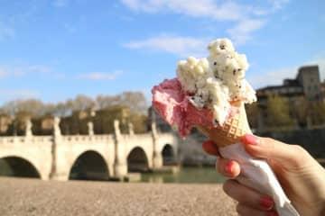 暑い日にピッタリ!イタリアの「ジェラート」風スイーツを3つの材料で簡単に作る