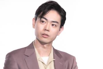 菅田将暉、綾野剛&King Gnu井口との2ショット披露「好きが並びすぎて頭抱えます」「最高の2ショット」の声