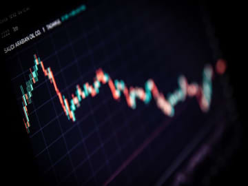 Saudi Aramco profits dive 73% following oil price slump