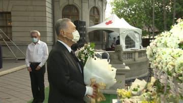 森元首相らが献花 台湾・李登輝氏を弔問