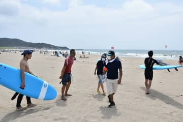 千葉県内で海の事故相次ぐ 開設中止の海水浴場、巡回中の町職員が通報