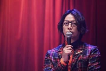 『事故物件 恐い間取り』新場面写真|亀梨和也の怪談ライブ登壇シーン
