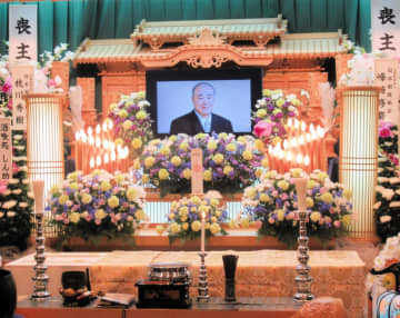 蔵玉錦・安達敏正さんの告別式で別れ惜しむ 井筒親方「本当に相撲が好きだった」