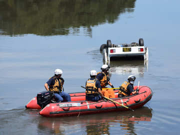 車ごと川に転落…不明の男性、遺体で発見 転落場所から290メートル下流、川底に沈む/さいたま