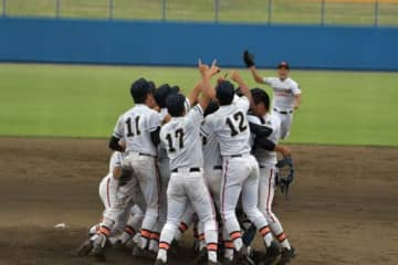 【高校野球】木更津総合が2年ぶり千葉大会優勝 エース篠木は最速149キロ完投&先制の適時三塁打