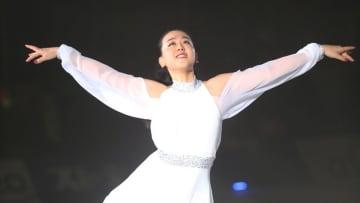 """浅田真央が明かす、サンクスツアーでさらに強くした想い。新たな試みで魅せた""""幕裏"""""""