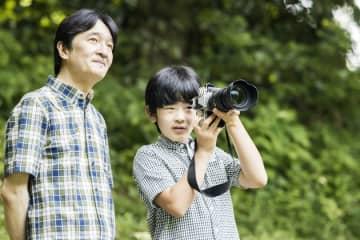 「悠仁さまのカメラ」はNikon Dfか。秋篠宮さまから撮影方法を教わる