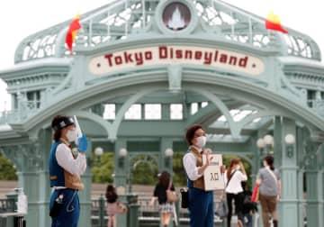 東京ディズニーランド・シー、買い物袋を有料化 10月から20円に