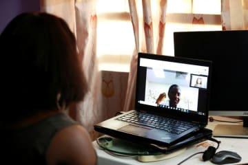 アングル:アフリカでオンライン診療が急拡大、企業も大型投資